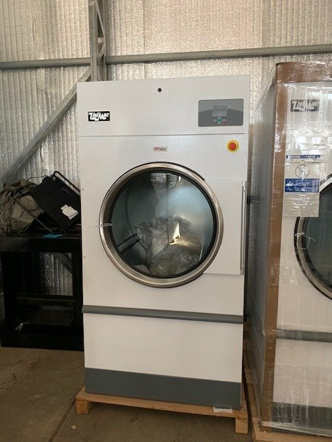 UniMac - Unimac 75lb Gas Dryer UT075NDN0RB